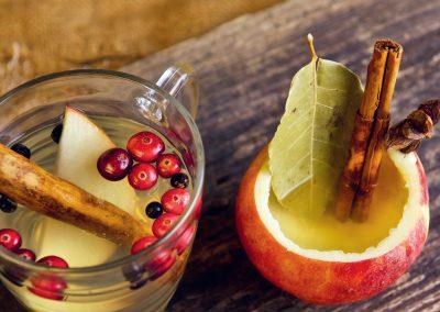 Hot Lemonade met appel, kaneel en cranberry