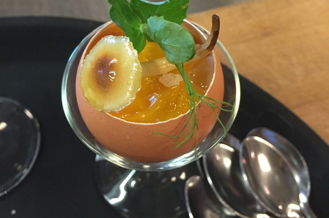 Lauwwarme pompoendooiertjes met crème van topinamboer